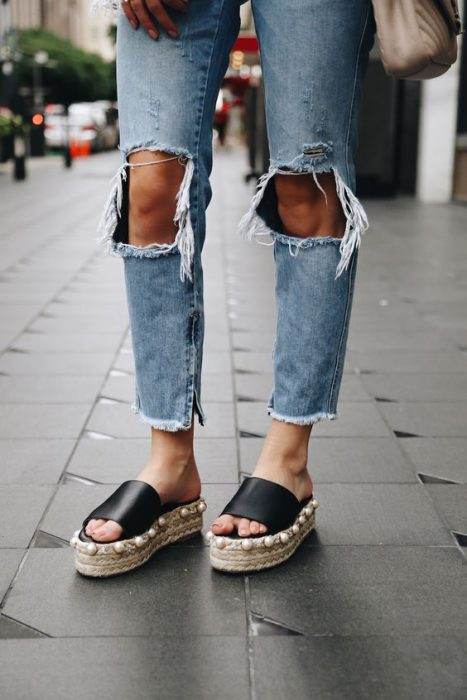 Can You Wear Slippers To Work During Summertime 2019