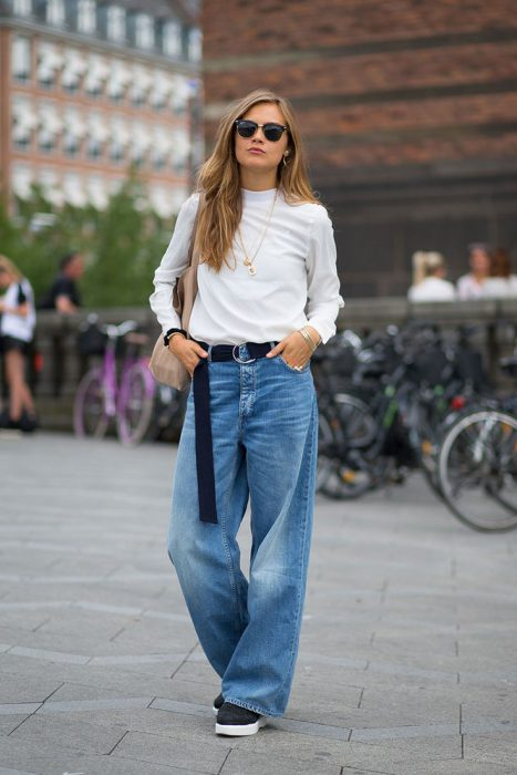 How To Wear Baggy Jeans This Fall 2019