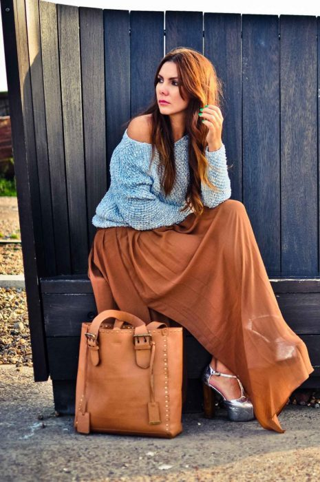 Maxi Skirts Outfit Ideas (15)
