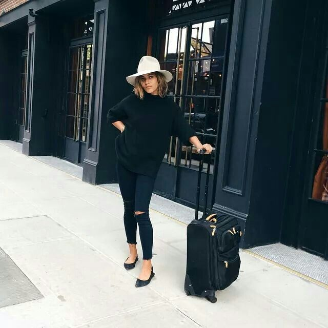 Traveling Looks For Women You Can Copy Now 2020