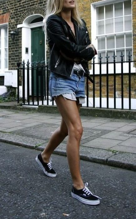 Women Shorts Outfit Ideas 2018 (31)