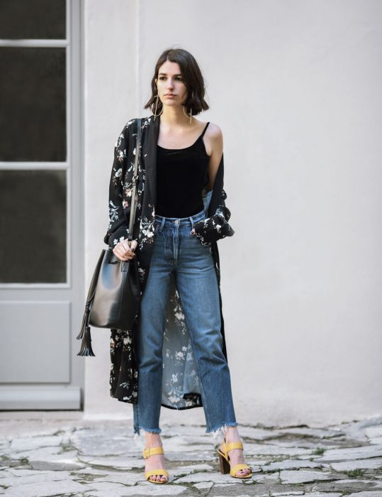 Best Kimono And Jeans Outfit Ideas For Women 2018 (19)