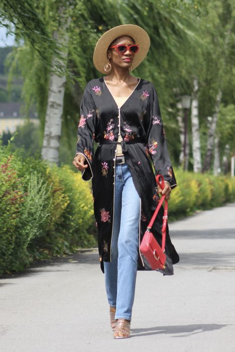 Best Kimono And Jeans Outfit Ideas For Women 2018 (8)