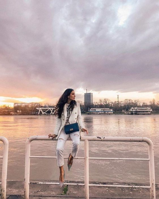 White Jeans Outfit Ideas For Women 2018 Street Style (10)