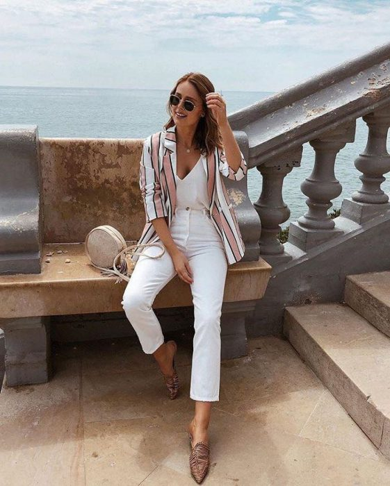 White Jeans Outfit Ideas For Women 2018 Street Style (11)