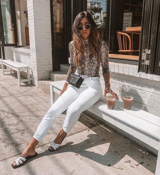 White Jeans Outfit Ideas For Women 2018 Street Style (13)