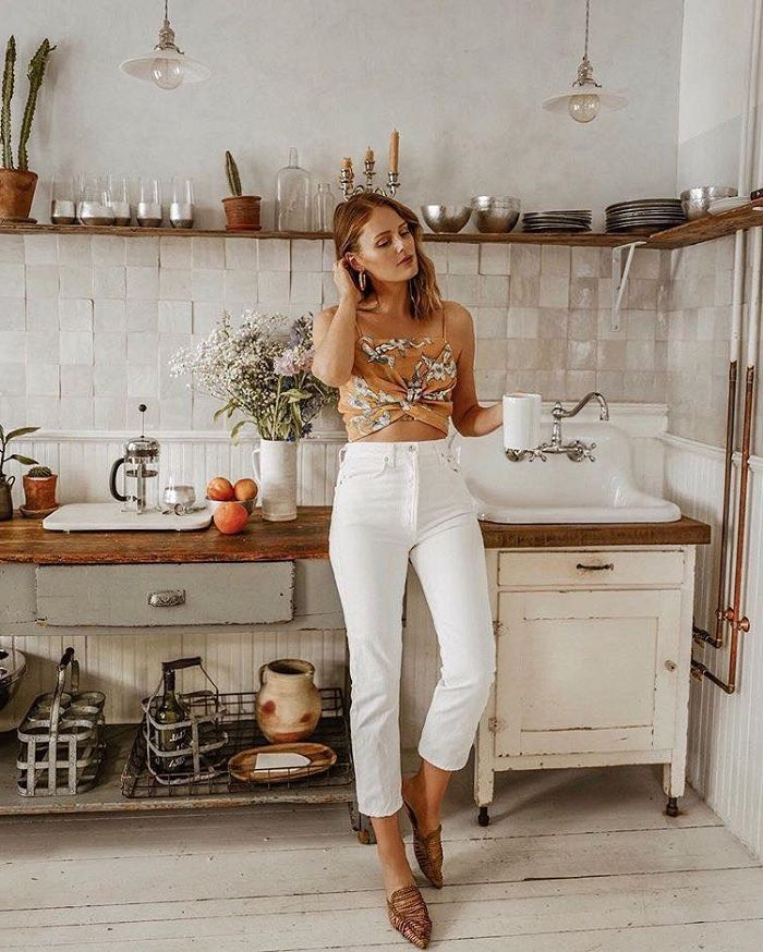 b31056fec14fc3 White Jeans Can Look Cool Again  Best Ways To Wear Them 2019 ...