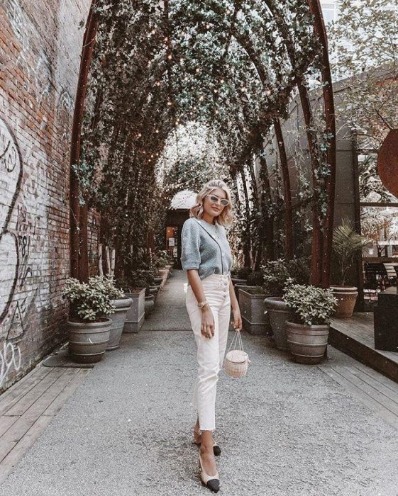 White Jeans Outfit Ideas For Women 2018 Street Style (9)