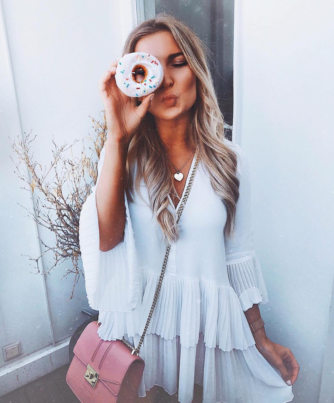 What Boho White Dresses Are In Style This Summer 2020