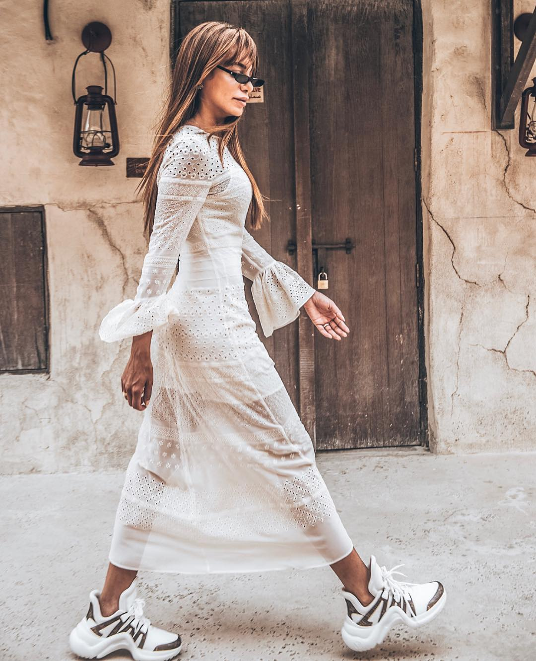 Can I Wear White Lace Dress With White Sneakers This Summer 2020