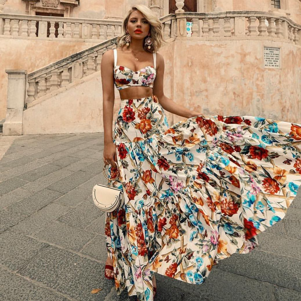How To Wear Two Piece Maxi Dresses In Floral Print This Summer In Italy 2019