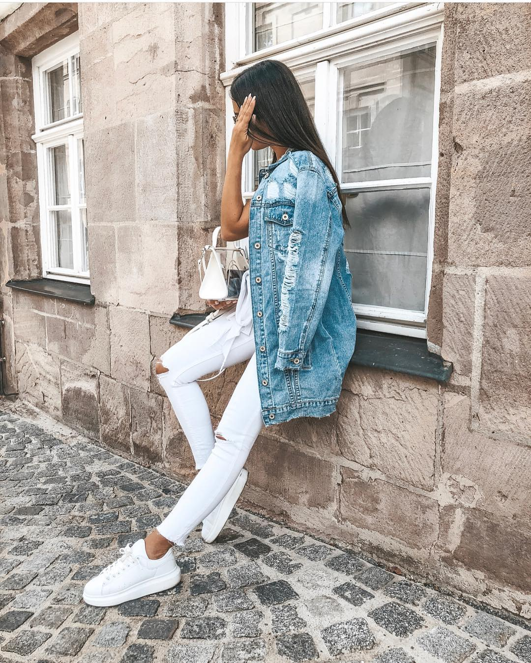 How To Style Washed Blue Oversized Denim Jacket This Summer 2019