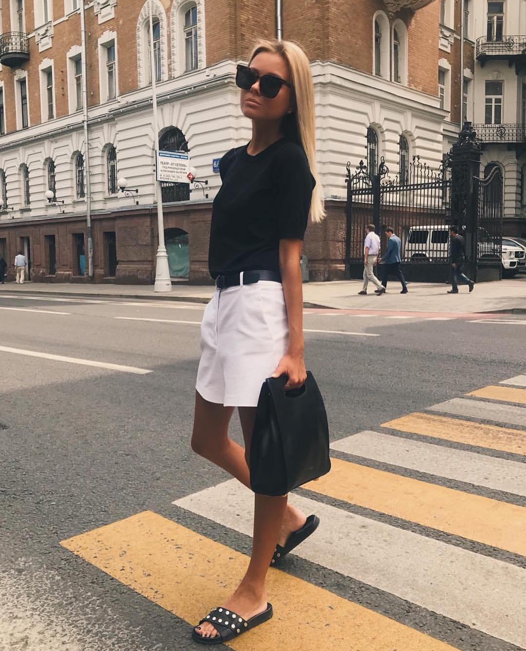 Stylish Black And White Outfit For Summer Casual Walks 2019