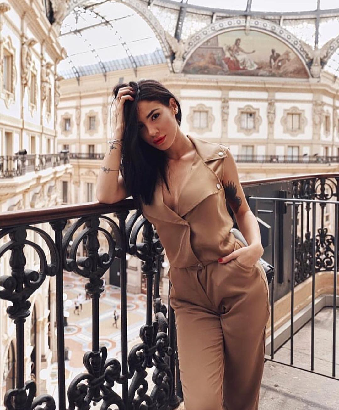 Beige Sleeveless Jumpsuit With Biker Style Collar For Summer 2019