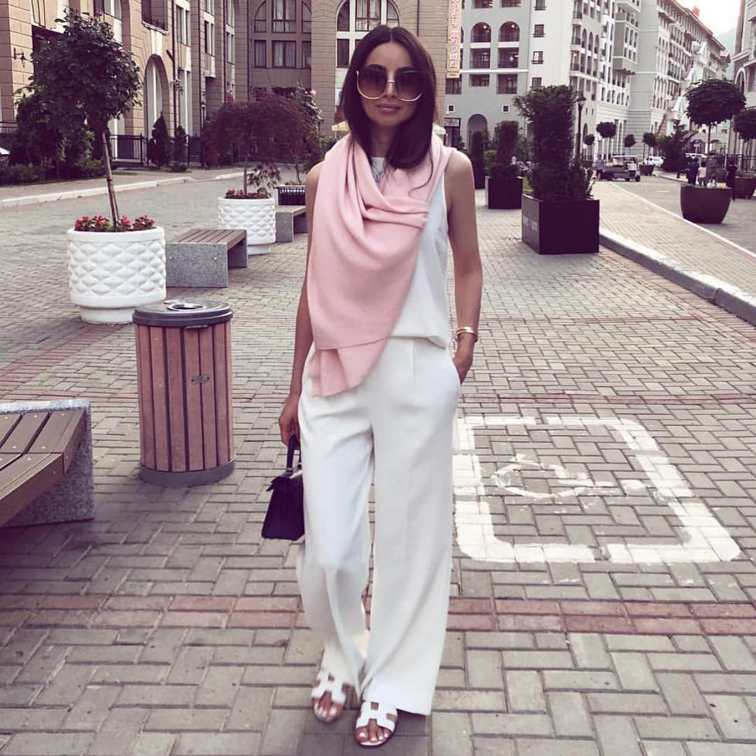 How To Wear All White Outfit With A Light Pink Scarf This Summer 2019