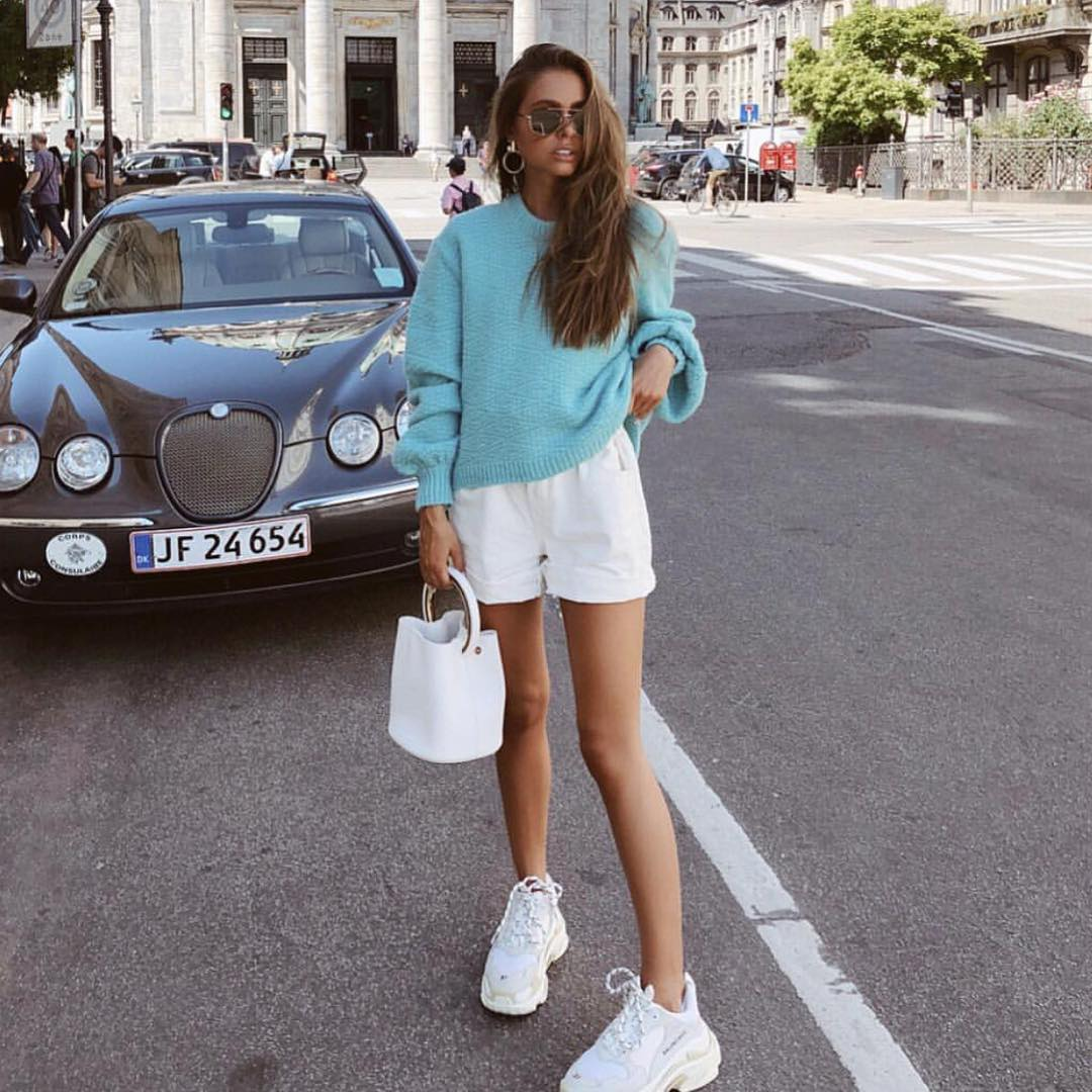 How To Wear Oversized Turquoise Sweater With White Shorts This Summer 2020