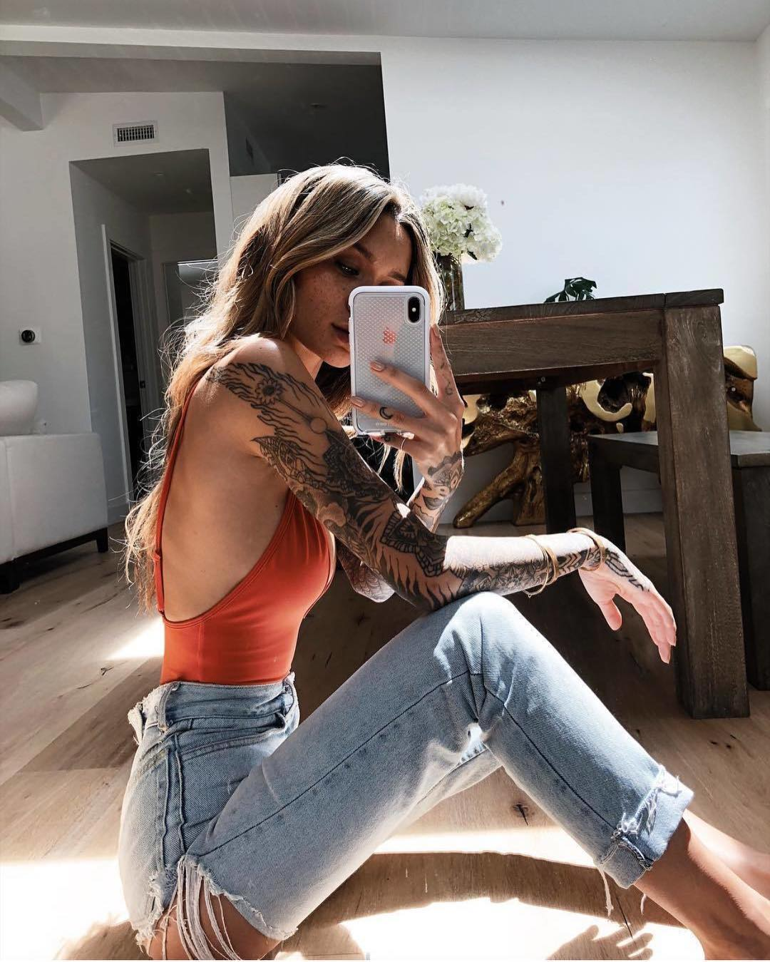 Salmon Red Bodysuit And Blue Ripped Jeans For Summer 2019