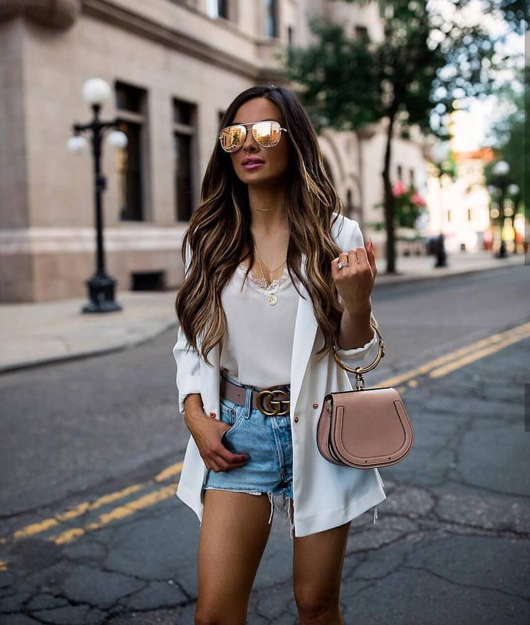 Oversized White Blazer And Denim Shorts For Summer Casual Walks 2019