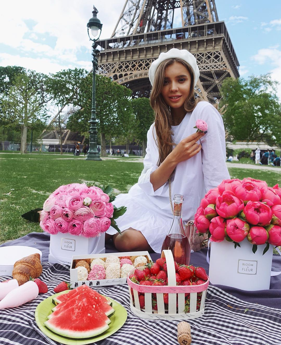 Perfect White Dress For Summer Paris Vacation 2020