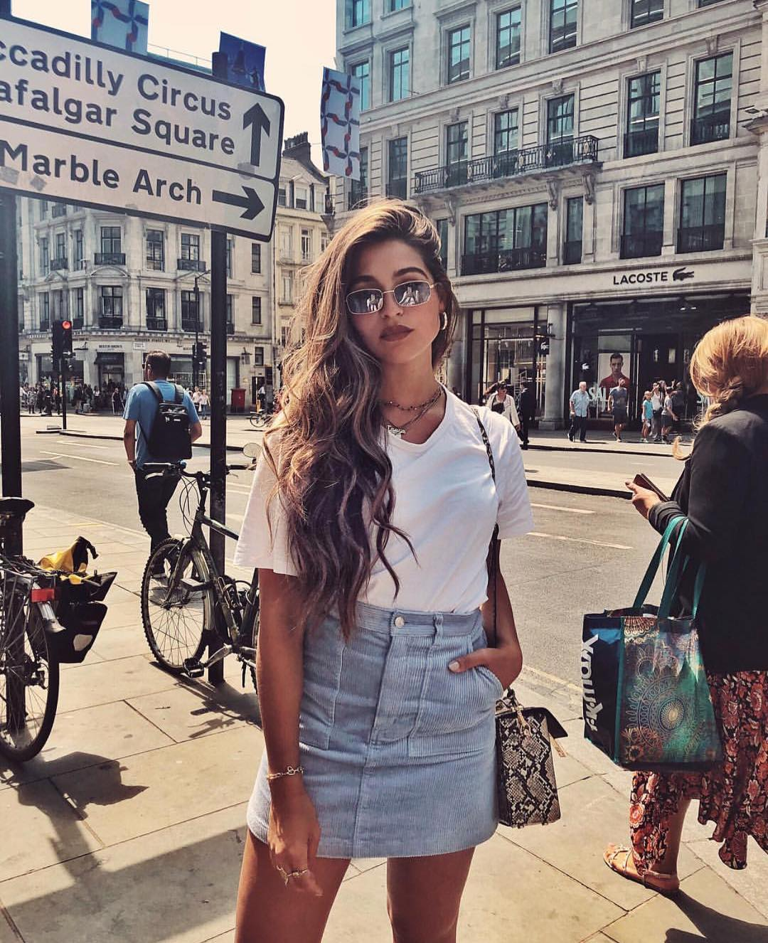 Nineties Fashion For Summer: White Tee And Wash Blue Denim Skirt 2019