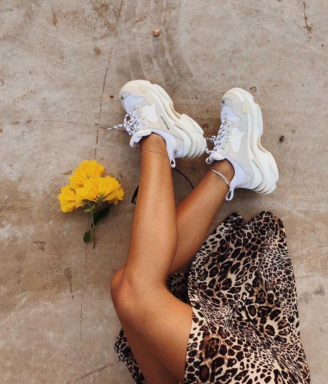 Can I Wear White Chunky Sneakers With Leopard Print Dress 2019