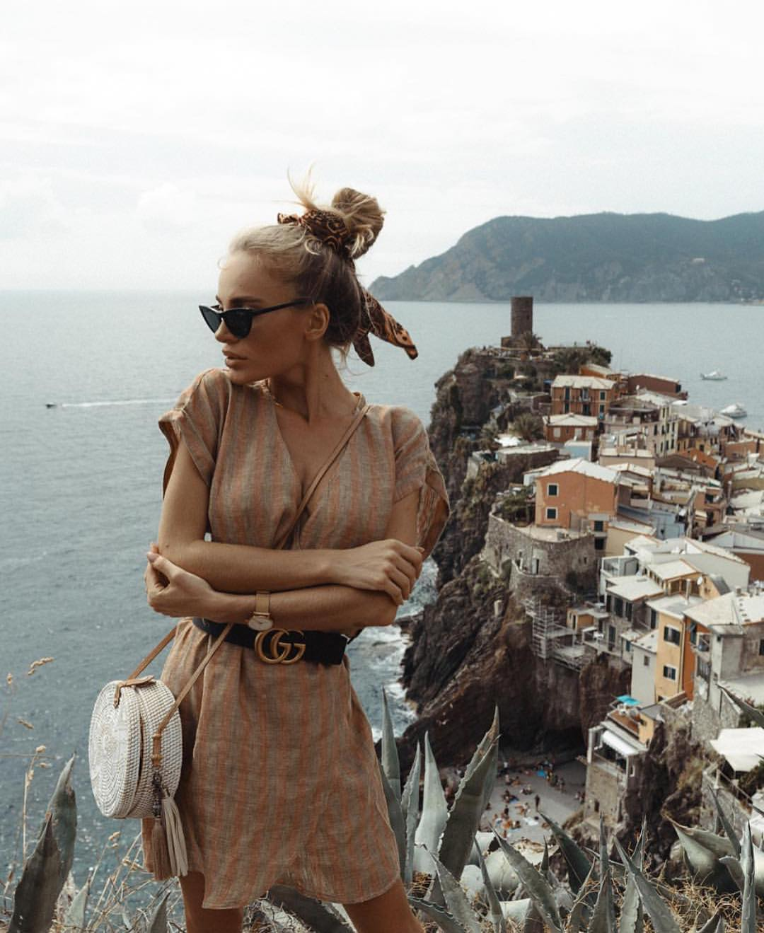 Traveling Style: Linen Wrap Dress For Summer In Italy 2019