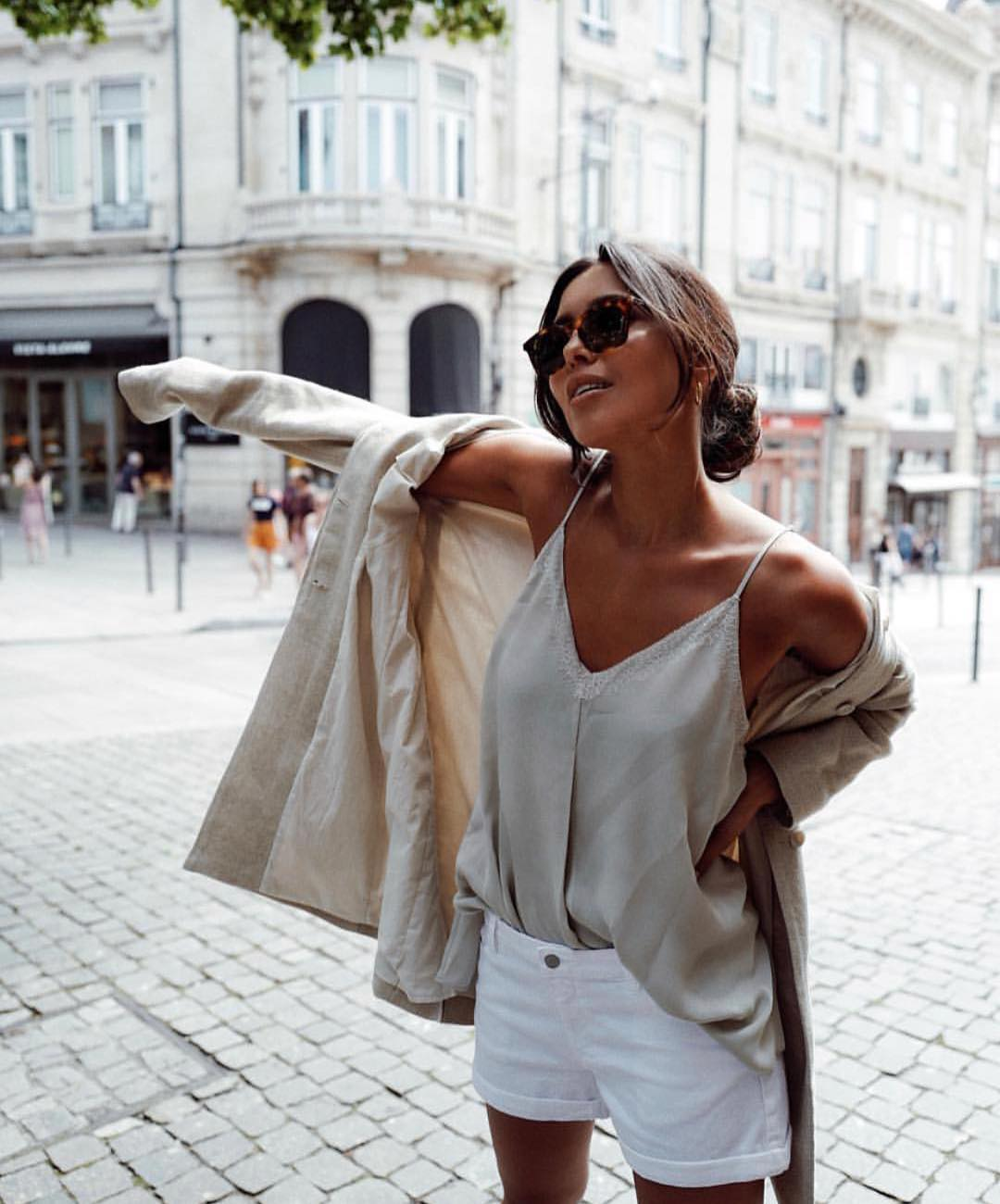 Summer In Italy: Slip Top, Shorts And Linen Blazer 2019