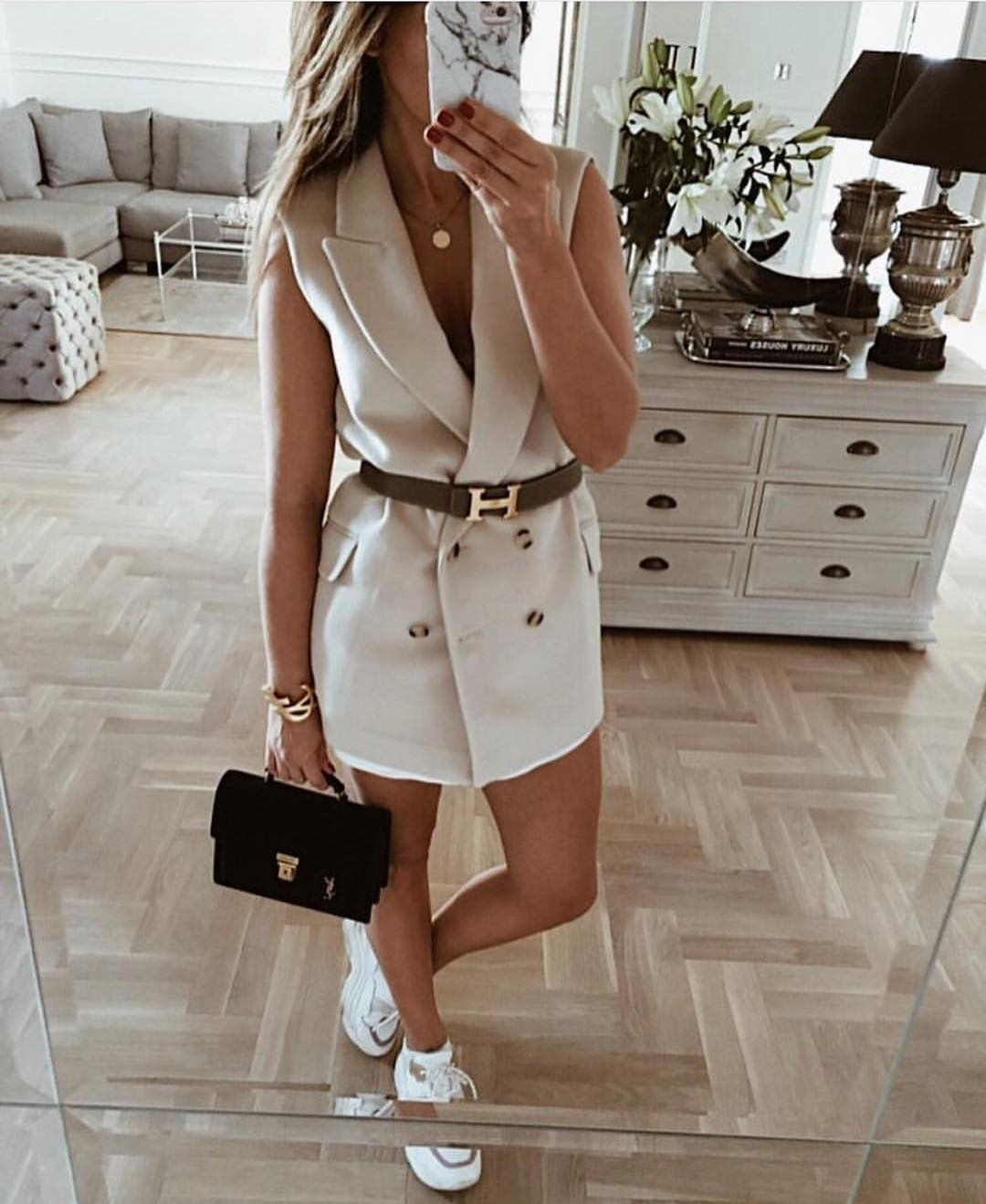 How To Wear Double-Breasted Sleeveless Blazer Dress 2019