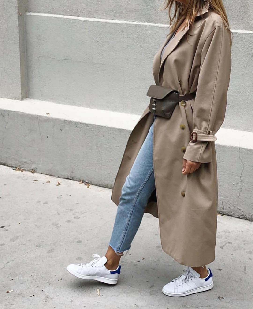 Cream-Grey Oversized Long Coat With Belted Bag, Jeans And White Kicks For Fall 2019