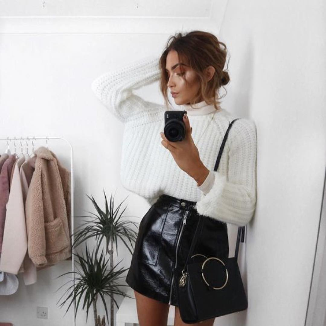 Can I Wear Oversized White Sweater With Black Leather Mini Skirt 2019