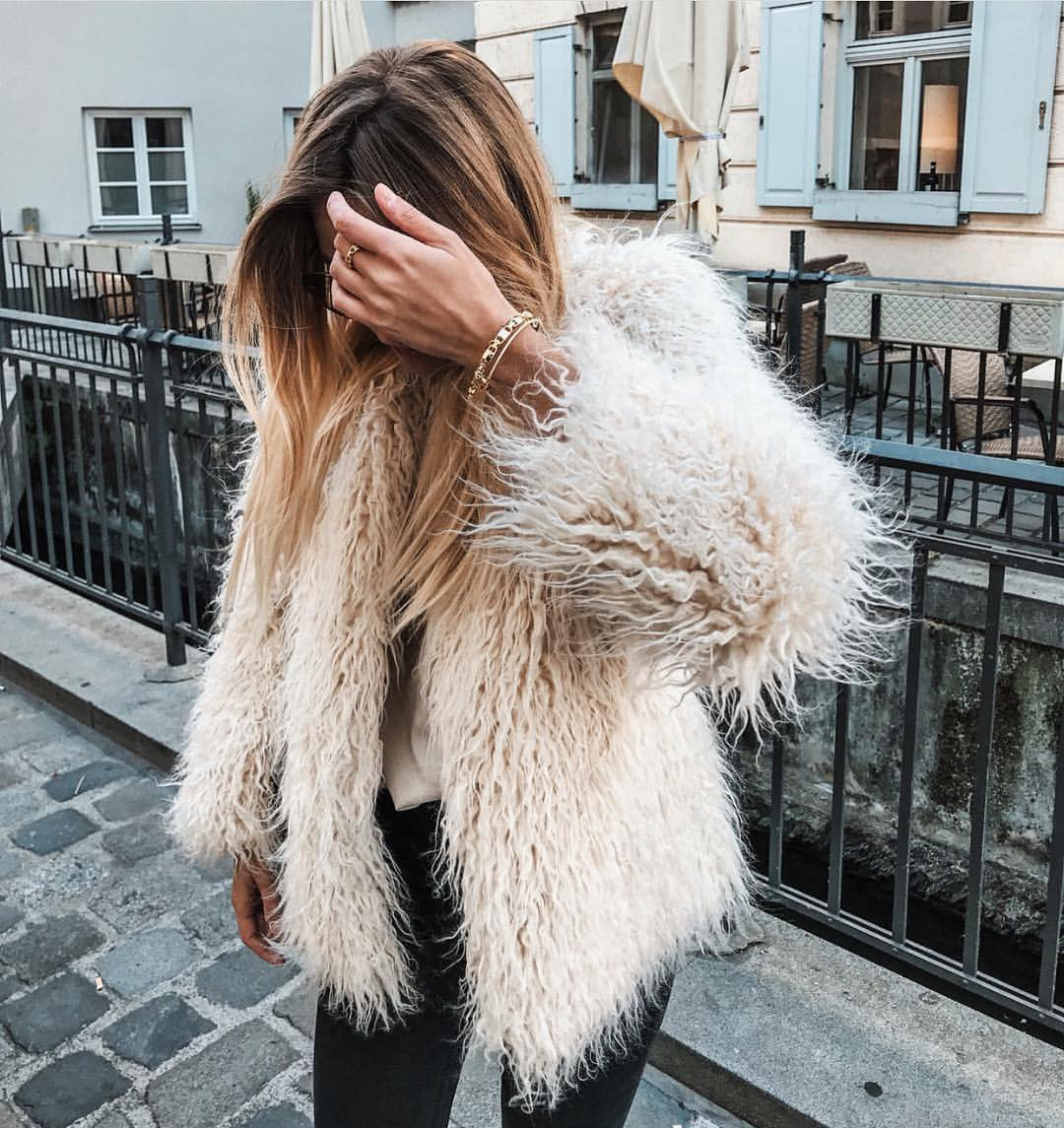 Fall Boho Essentials: Cream White Furry Jacket 2020