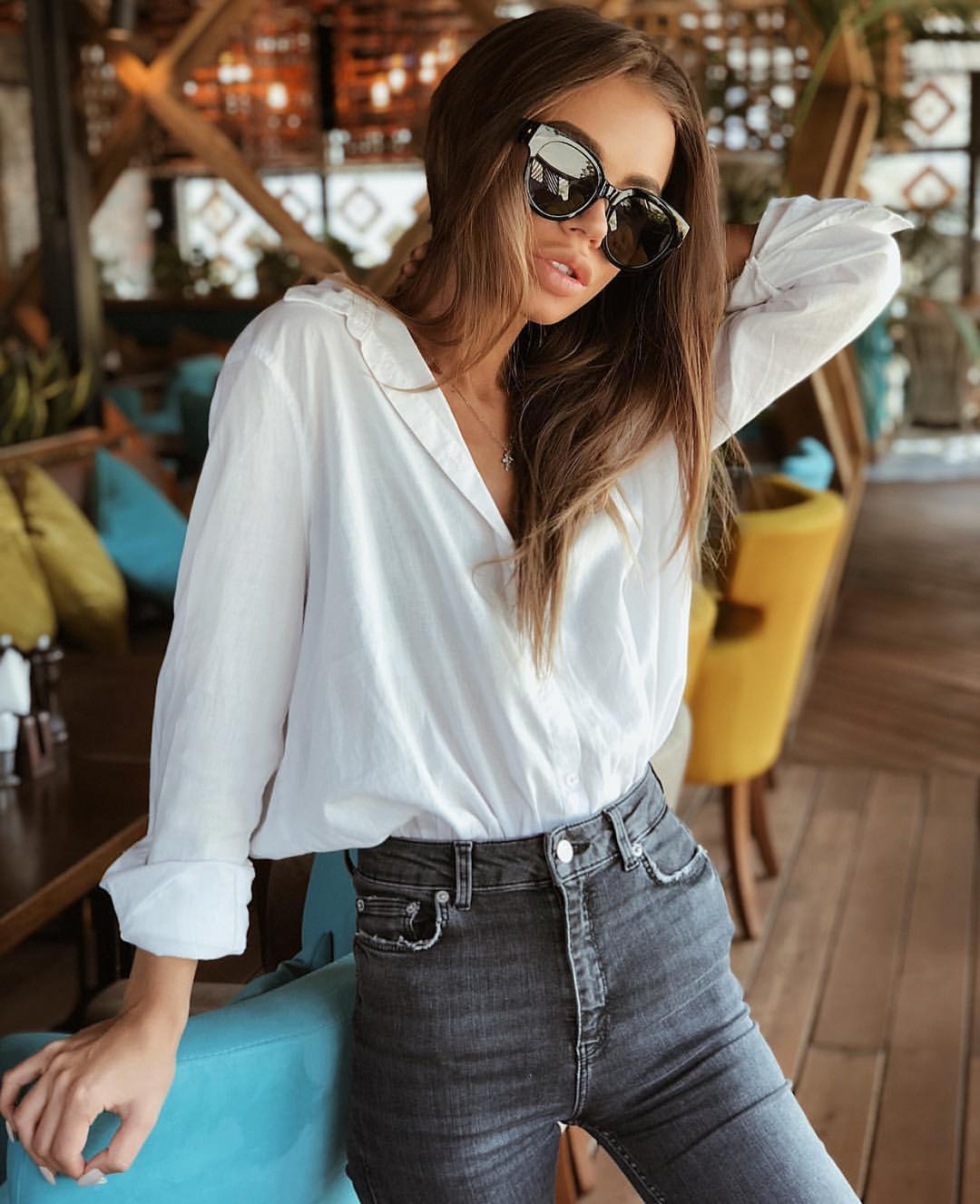 White Linen Oversized Shirt Tucked In High Rise Grey Jeans For Summer 2020