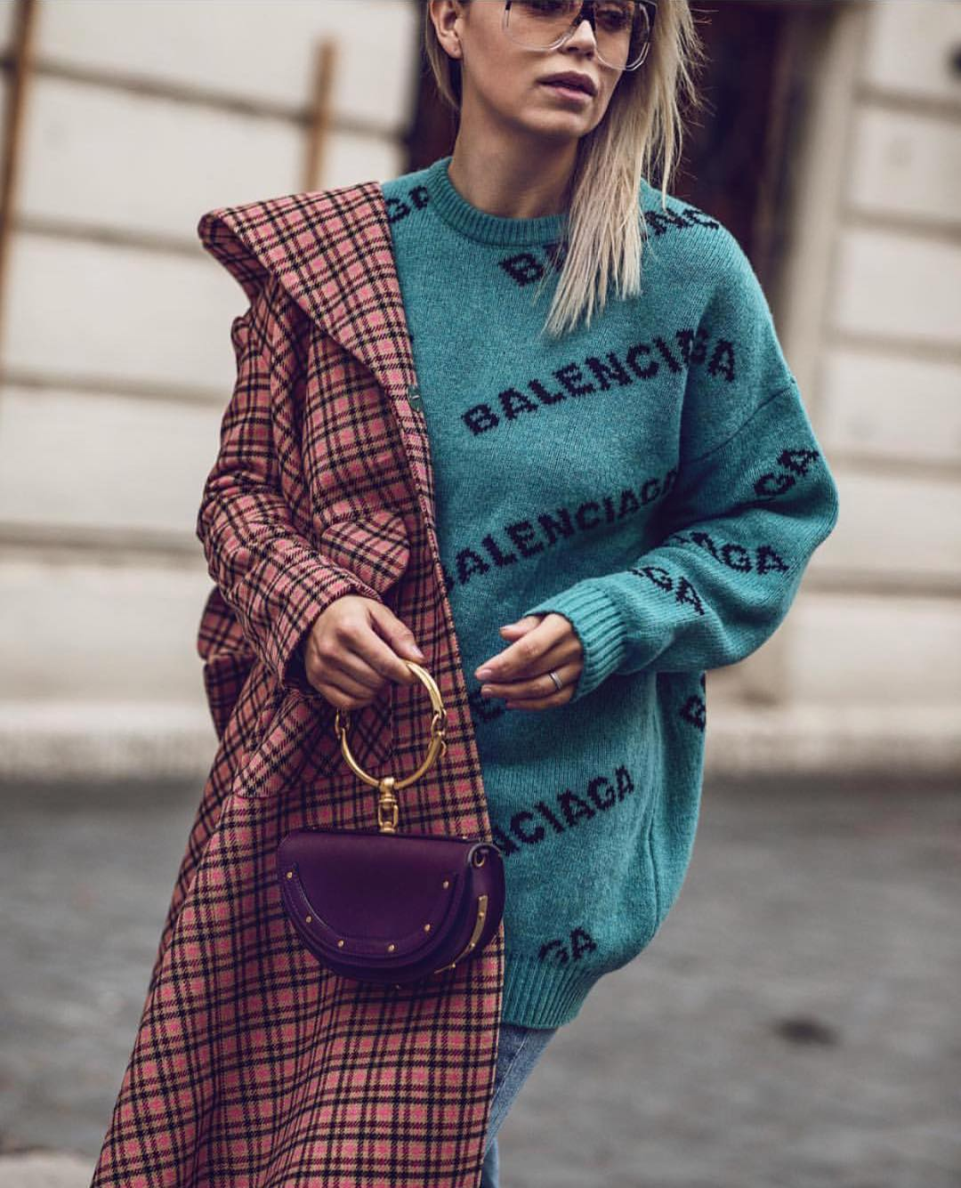 How To Wear Oversized Sweater And Plaid Coat This Fall 2019