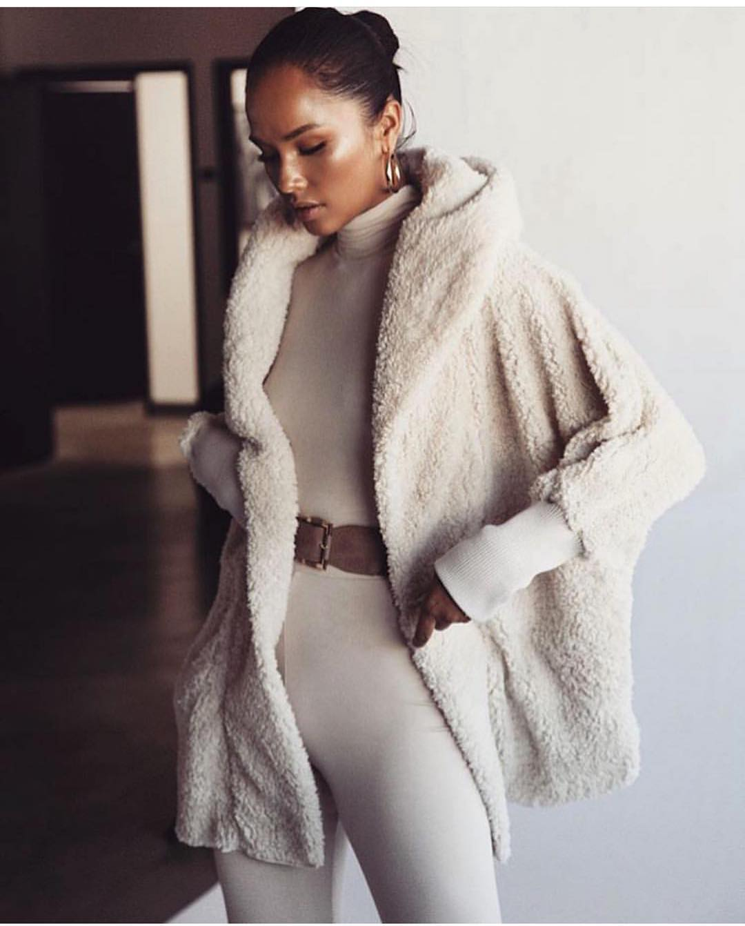 Skin Tight Jumpsuit And Fur Cape-Coat: All Cream White Outfit 2020