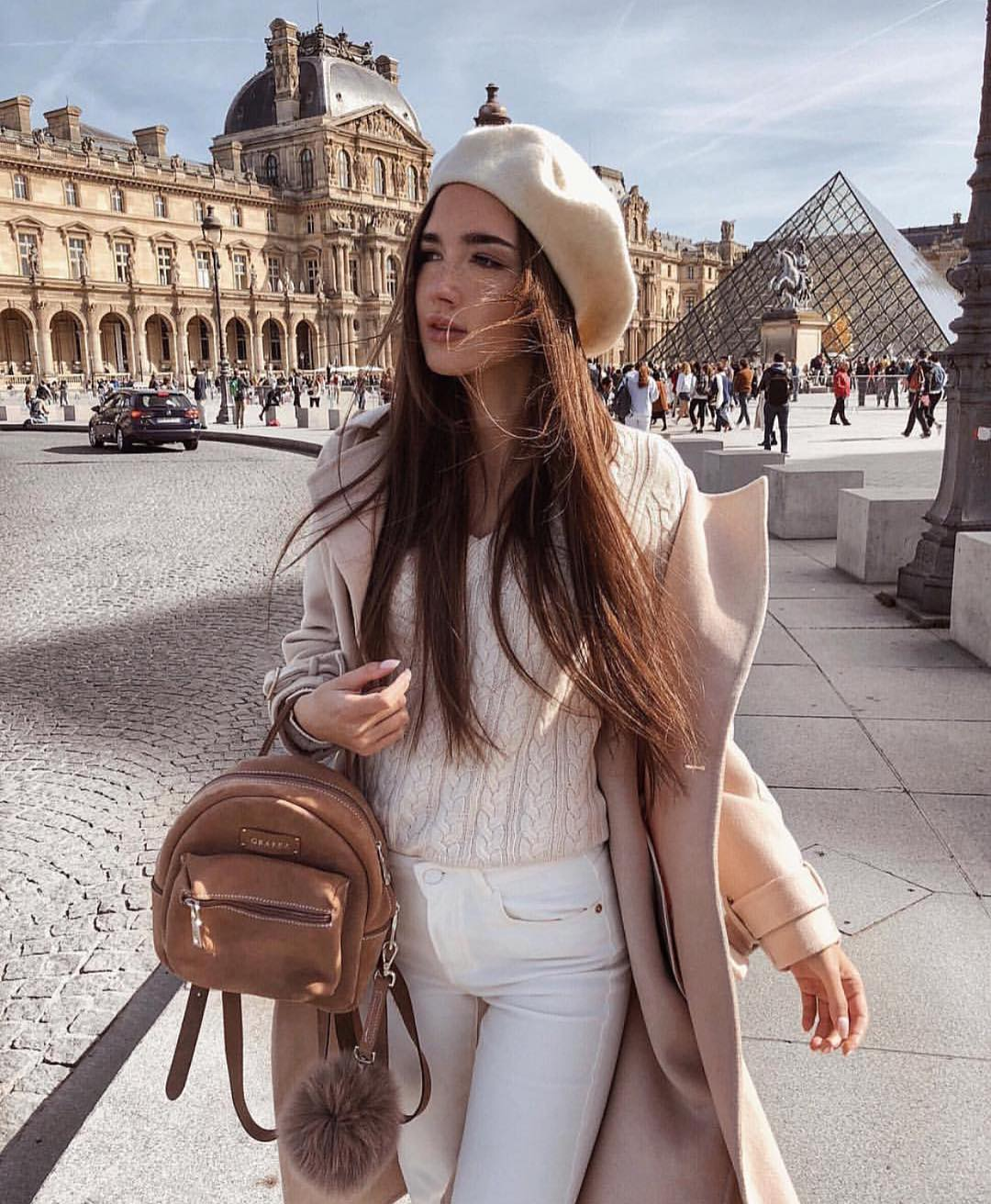 Parisian Chic Outfit For Autumn: Beret Hat, Cream Coat And White Sweater 2019