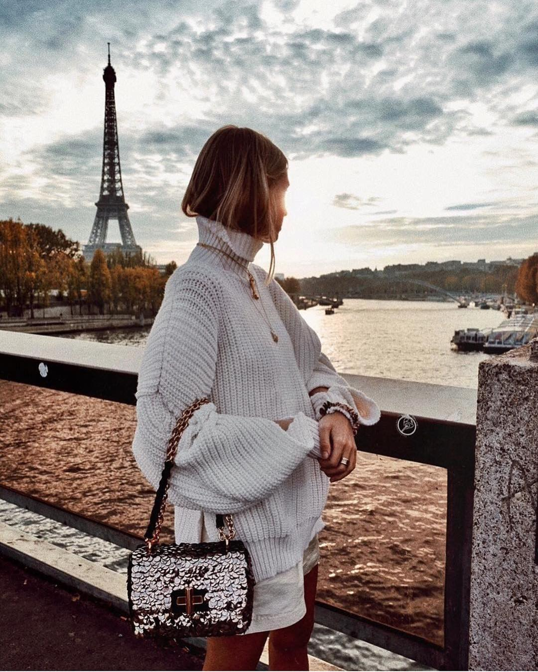 All White Casual Look For Parisian Chic Trip 2019
