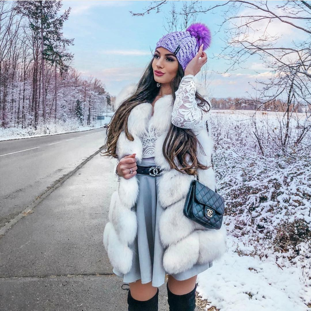 Winter Must-haves: Pom Pom Beanie, White Fur Waistcoat, Lace Top And Flared Skirt 2019