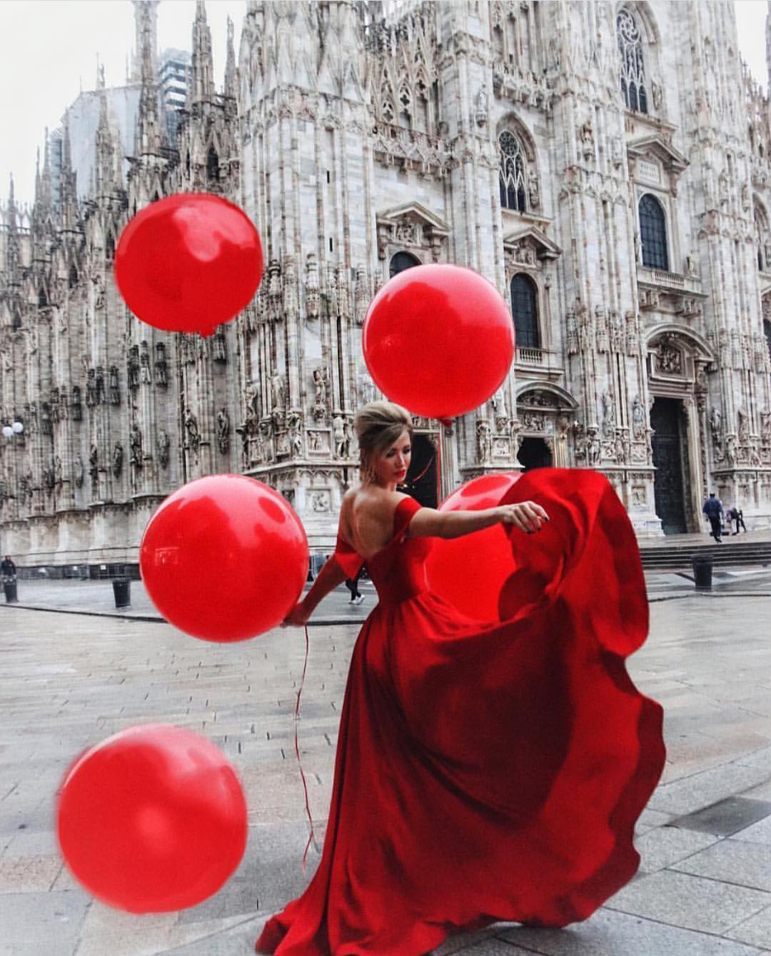 Red Maxi Gown For Prom Party: Best Design To Show Off Your Back 2019