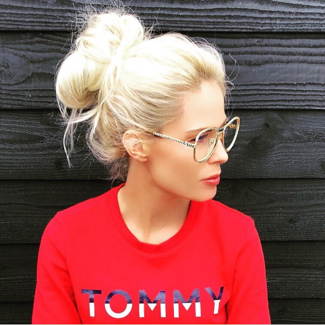 Gold Frame Aviator Eyeglasses And Red Sweatshirt For Casual Street Walks 2020
