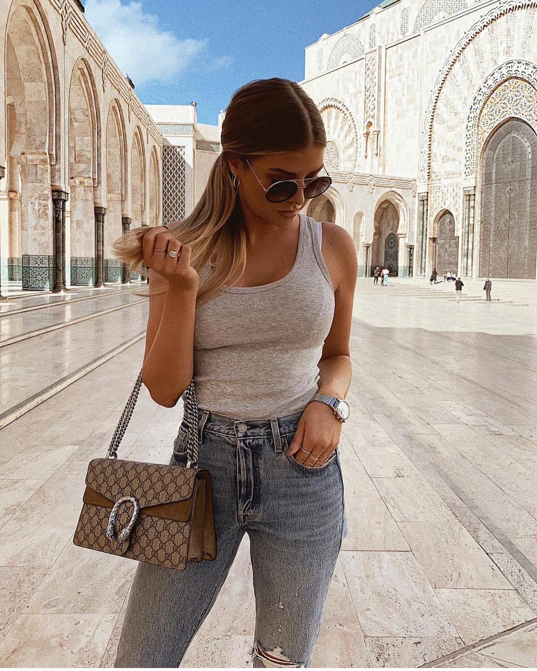 Grey Tank Top And Skinny Jeans In Blue For Summer Basics 2019