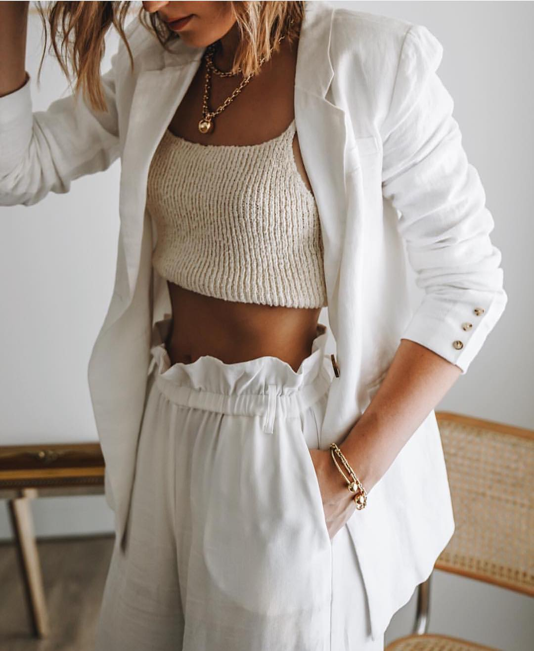 Blazer, Knitted Crop Top And Gathered Pants: All White Look For Spring 2019