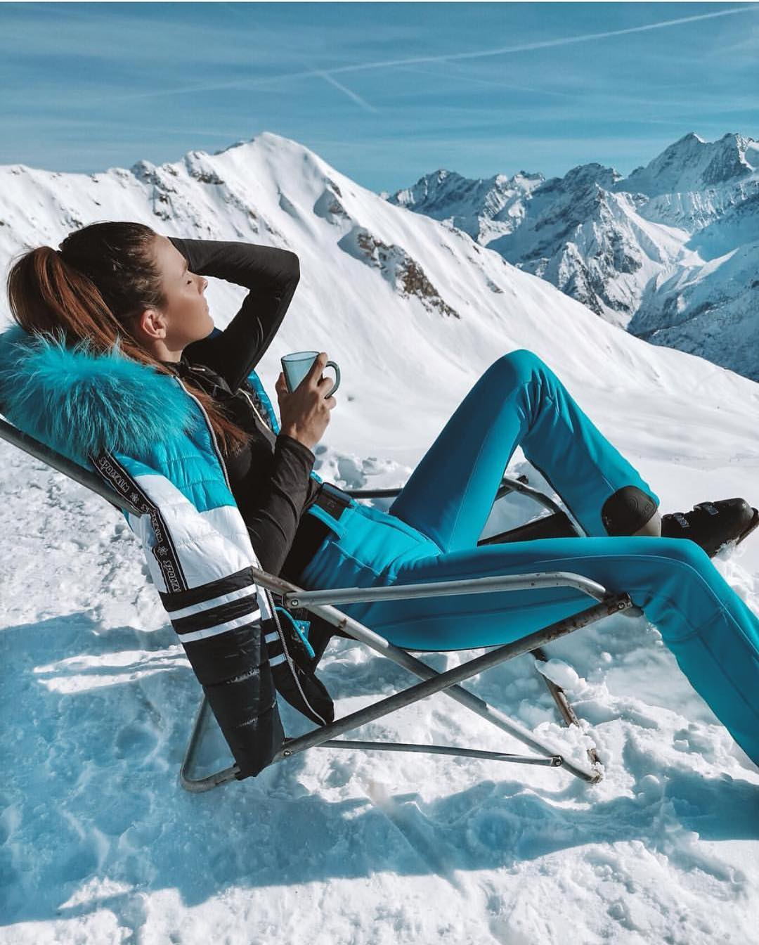 Turquoise Blue Ski Suit For Your Next Winter Mountain Trip 2020