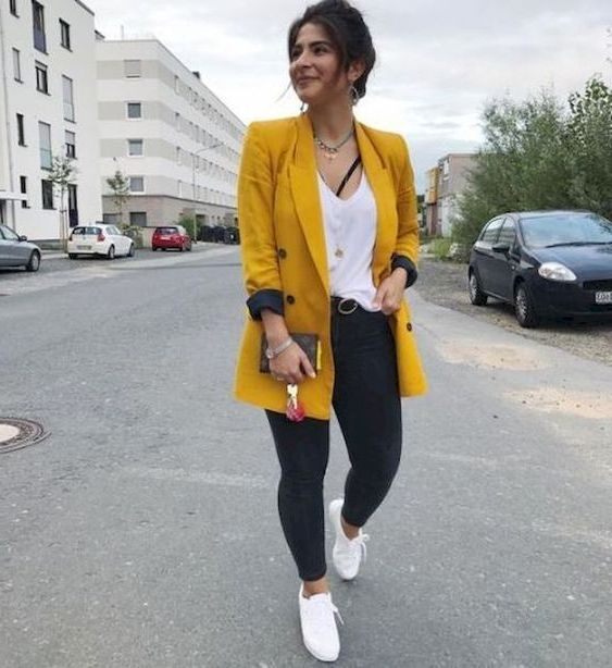 Women Yellow Outfits For Spring 2020